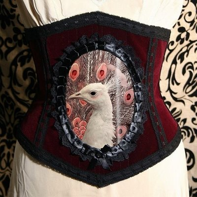 Corsets and corsets